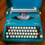 open typewriter case