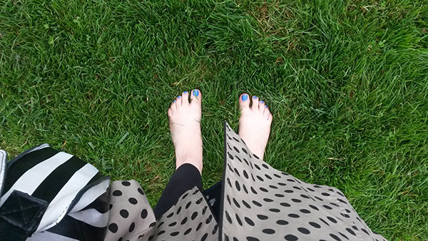 Bare feet in squidgy grass, and other summery goodness